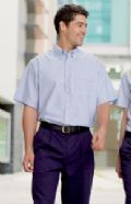 Short sleeve Oxford shirt wrinkle resistant finish